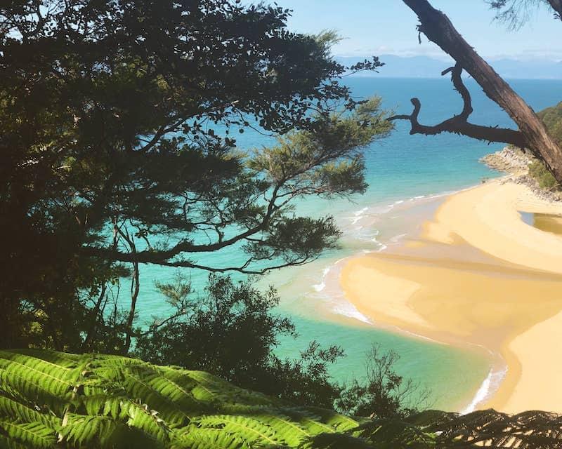 Plage du parc Tasman en Nouvelle-Zélande