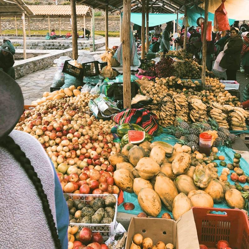 Etale de légumes au marché de Chinchero