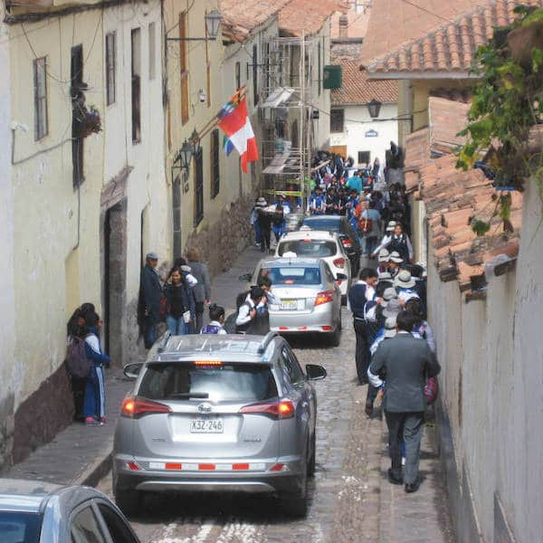 Rue bondée de Cusco
