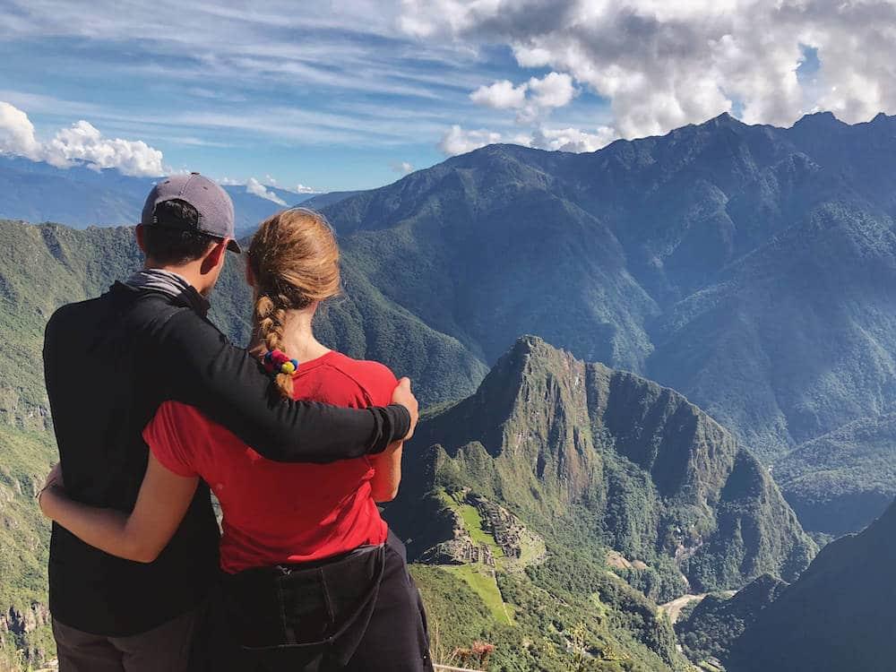 Vue plongeante sur le Machu Picchu